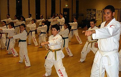 Class_drill_at_Eastcote_club